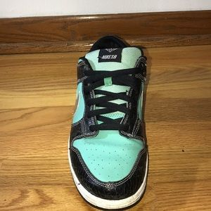Tiffany low beaters size 10